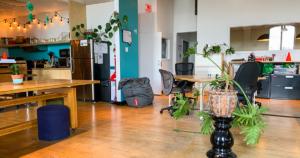 8-avantages-etre-dans-un-coworking-ecto-espace-de-coworking-montreal